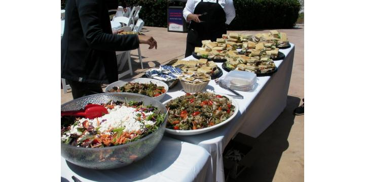 popolo catering-buffet table